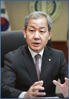 총장 김인철 사진