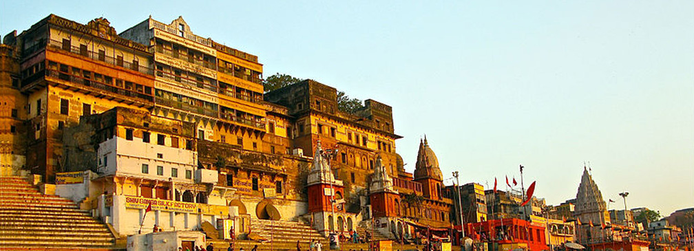 Ahilya_ Ghat_by_the_Ganges